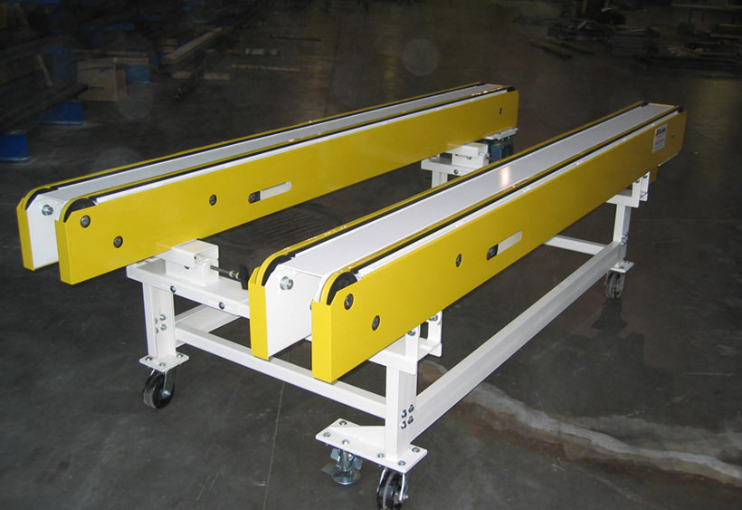 Variable side angle and center spacing belt conveyor