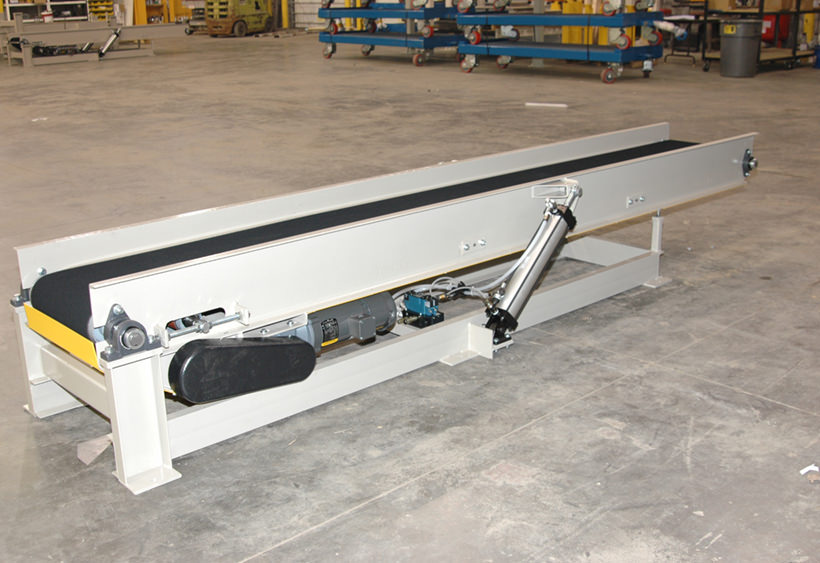 Tilting belt conveyor