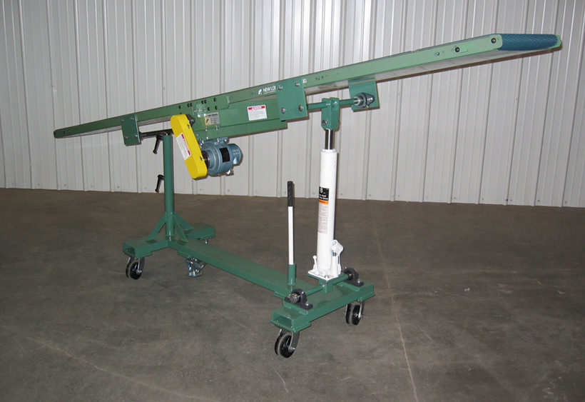 Small press belt conveyor with variable angle
