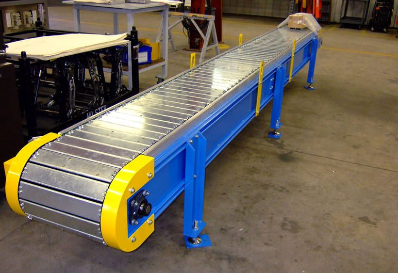 Slat type chain conveyor