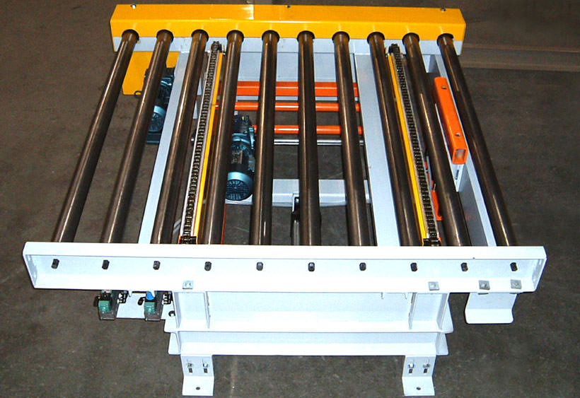 Two strand chain transfer mounted in CDLR conveyor