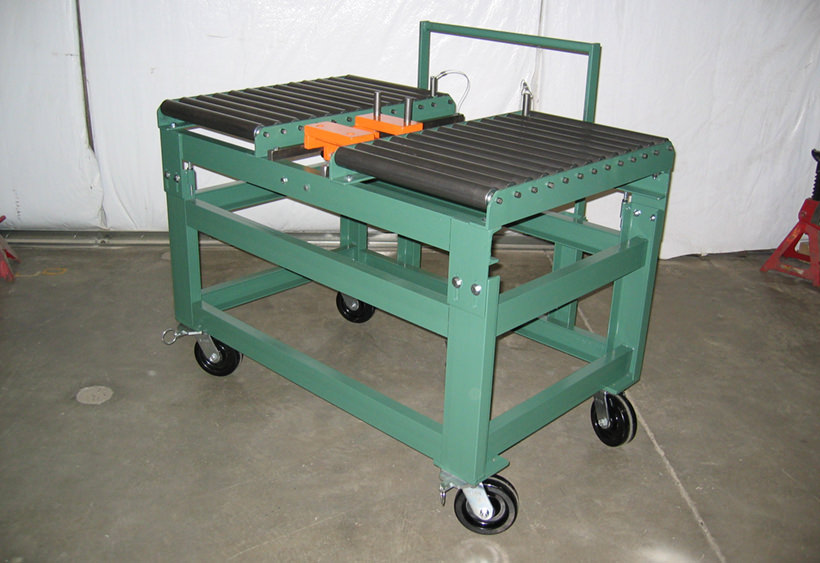 Die change cart with die extractor